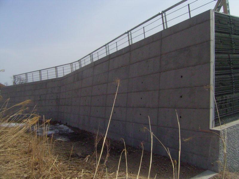 スノージオバンク(雪崩防護補強土壁)