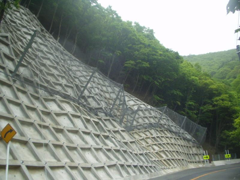 ハイジュールネット(高エネルギー吸収型落石防止柵)