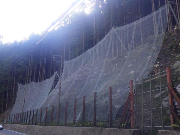 強靭防護網(高エネルギー吸収型落石防護網)
