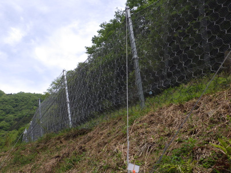 MJネット(高エネルギー吸収型落石防護柵)