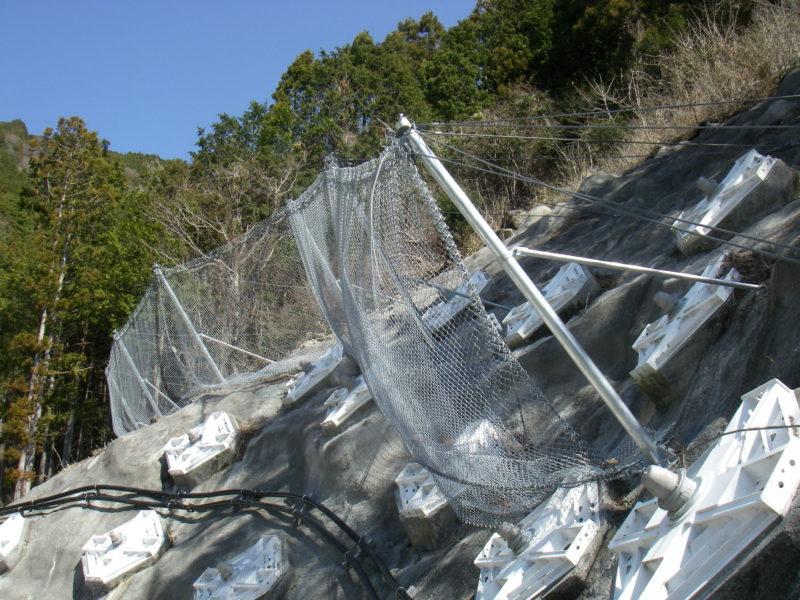 ロックバリア(エネルギー吸収型落石防護柵)
